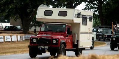 Видео грандиозного парада всех Land Rover, которые когда-либо выпускались
